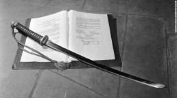 samurai-sword-surrender